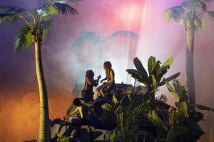 Philippe Quesne – Crash Park, la vie d'une île – Nanterre-Amandiers5_creditMartin Argyroglo