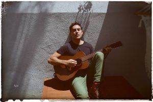 a238bd25_Joshua Radin – Press Photo 4 (Credit_ Shervin Lainez)