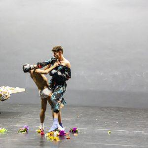Tony Rizzi_a performance by nobody_Preference Quadrat_Foto