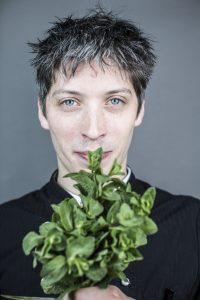 """GINA Simon Horn copyright: Alex  Kraus Fotoserie:  """"Geld ist nicht alles"""""""